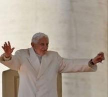 دیدار آخر پاپ بندیکت شانزدهم با مردم !