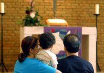 انتقاد توماس دیمزیر از پناهنده شدن مهاجرین در کلیساها