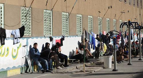 کلاهبرداری مسئولین زندان رجایی شهر از زندانیان