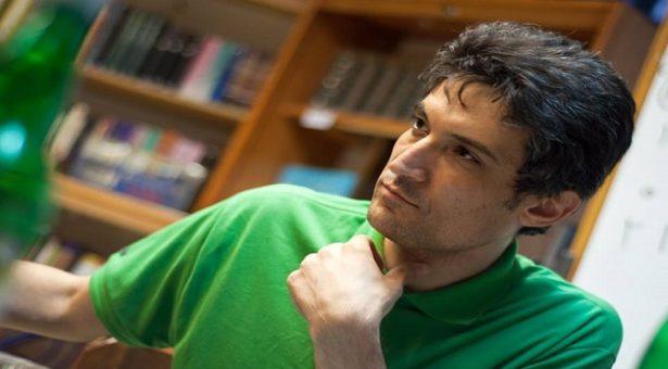 گزارشی از آخرین وضعیت فرهاد میثمی فعال مدنی محبوس در زندان اوین